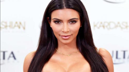 Con un sexy descuido, Kim Kardashian debutó en Instagram Live