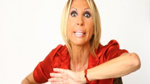 Un presentador intenta humillar a Laura Bozzo al recordarle su pasado