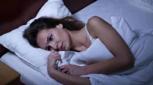 ¿Duermes pocas horas? Podría estar relacionado con tu edad