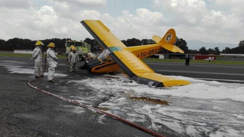 Una avioneta derrapó al aterrizar en el Aeropuerto La Aurora