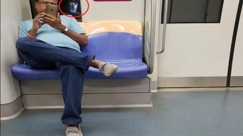 Una joven capta a un hombre que la grababa con su celular en el metro