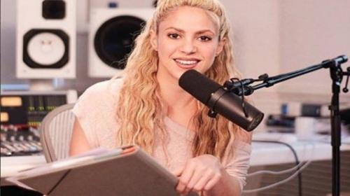 Shakira se estrena como locutora de radio