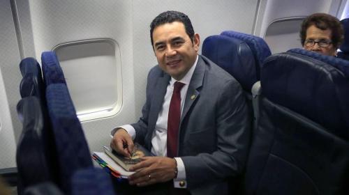 Jimmy Morales se va de viaje de nuevo