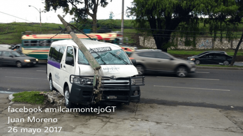 Accidente provoca complicaciones de tránsito en bulevar Liberación