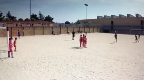 Hijo de Cristiano Ronaldo patea los tiros libres igual que su padre
