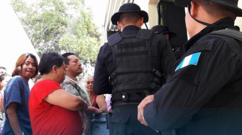 Vecinos casi linchan a dos mujeres en Mixco