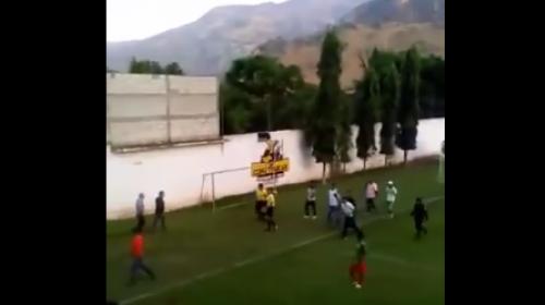 Jugadores y aficionados agreden a árbitros en Tercera División
