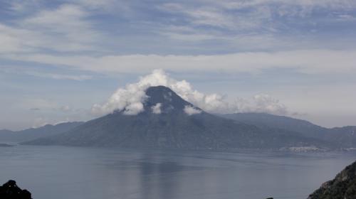 Turistas se extravían en el volcán Atitlán y se inicia la búsqueda