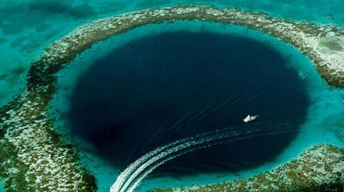 Revelan el impresionante misterio que guardaba el gran agujero azul