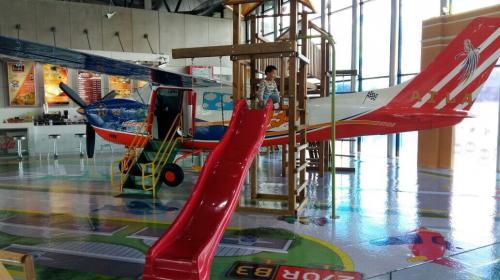 Inauguran área infantil en el Aeropuerto Internacional La Aurora