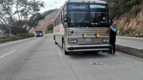 La historia del niño que murió en un bus detenido por los bloqueos