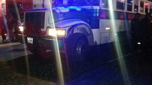 Piloto de autobús y atacante mueren en incidente armado en Villa Nueva