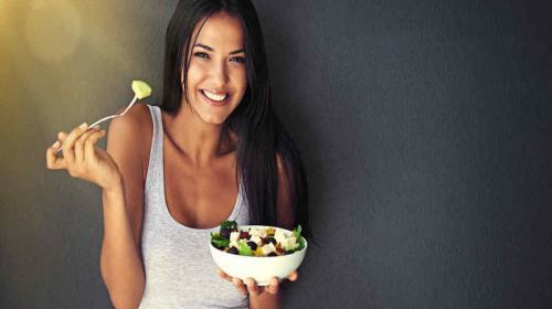 Científicos descubren que una dieta baja en calorías prolonga la vida