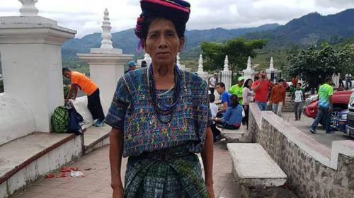 Doña Nico, a sus 67 años, corre por primera vez una 21K en Esquipulas