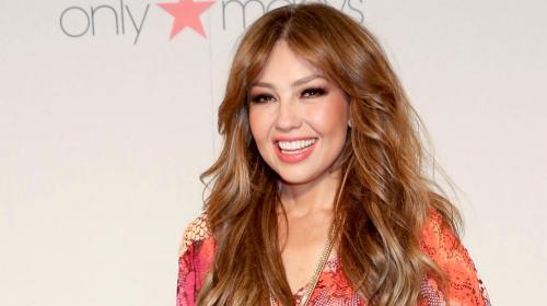 Thalía presume su rostro sin una gota de maquillaje