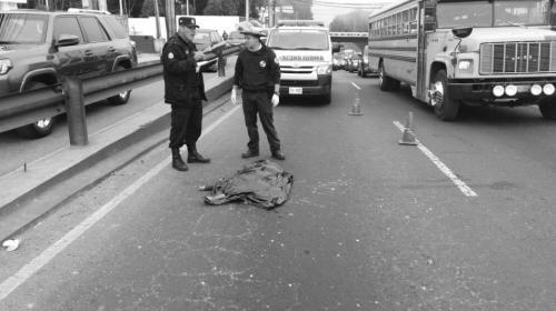 Niño de 2 años fallece atropellado por bus en carretera a El Salvador
