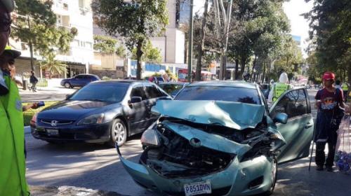 Tarde accidentada: Choques en zona 10 y rutas a El Salvador y Pacífico
