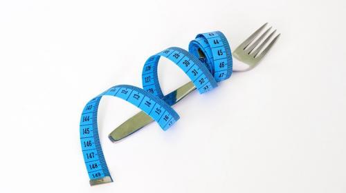 Este tipo de dieta podría prolongar la vida de personas con obesidad
