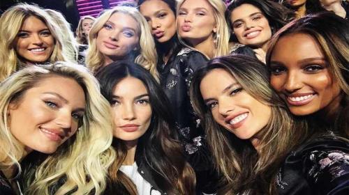 Modelo sufre bochornosa caída en pleno desfile de Victoria's Secret