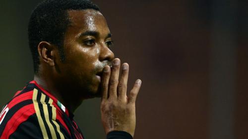 Condenan a Robinho a nueve años de cárcel por violación