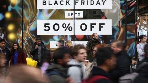 Peleas y un tiroteo interrumpen el Black Friday en Estados Unidos