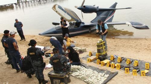 Localizan más de un millón de dólares en avión ultraligero en Izabal