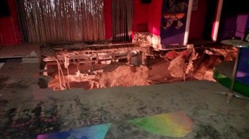 Graban el momento cuando se desploma el suelo de discoteca en España