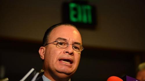Viceministra denuncia destitución por no firmar facturas dudosas