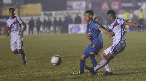 Cobán y Xela empatan en el acceso a las semifinales del Apertura 2017