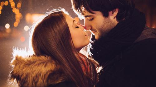 Este es el momento perfecto para besarlo, según su signo del zodiaco