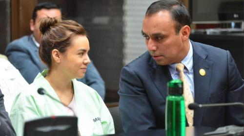 Viuda de Byron Lima sale del país y es colaboradora eficaz del MP