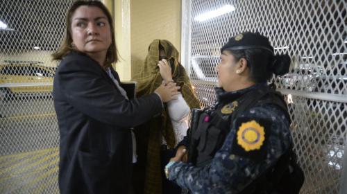 Capturan a síndica de la Municipalidad de Guatemala por fraude