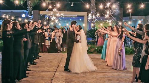 ¿Cómo elegir el vestido ideal para asistir a una boda?