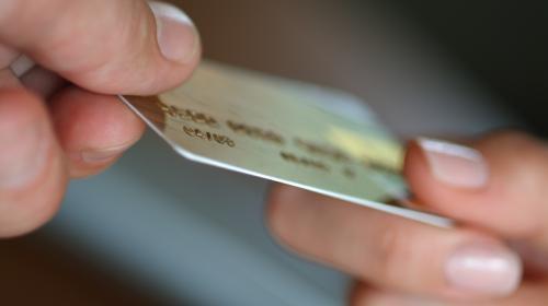 ¿Qué hacer para evitar que clonen tu tarjeta de crédito?