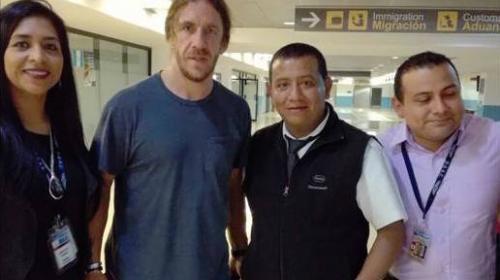 Carles Puyol llegó a Guatemala y compartirá con 700 jóvenes