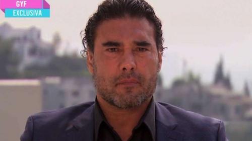 Entre lágrimas, Eduardo Yáñez pide perdón por agredir a periodista