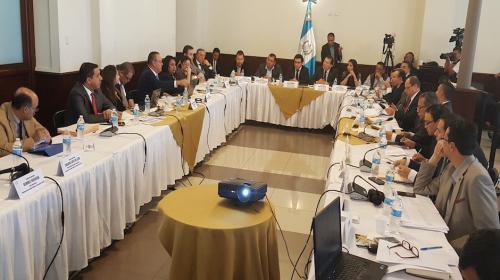 Salud evalúa retirar unas 20 ONG's del Presupuesto