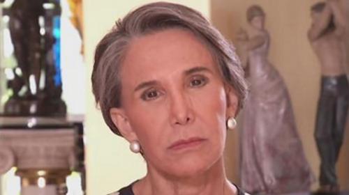 """""""Doña Florinda"""" busca trabajo y promete riqueza a quien la contrate"""