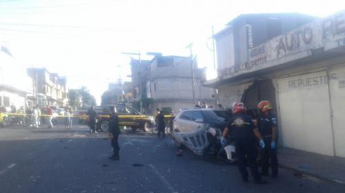 Mortal accidente deja motorista fallecido y bloquea el paso en zona 12