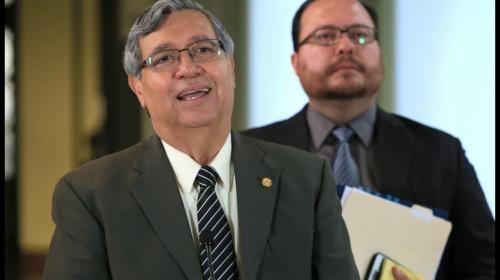 """Vicepresidente descarta, """"de momento"""", expulsión de Iván Velásquez"""