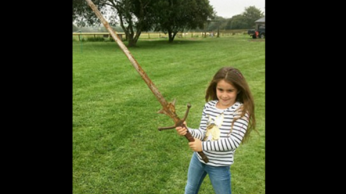 ¿Una niña encontró la legendaria espada Excálibur del Rey Arturo?