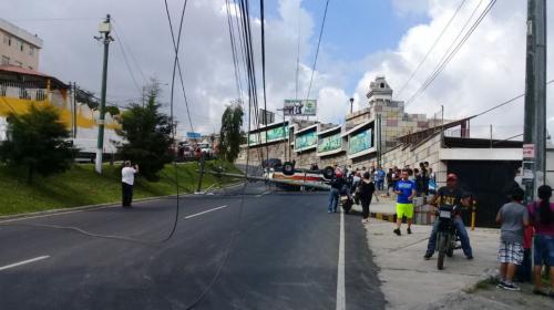 Accidente bloquea la salida de San Cristóbal a la Interamericana