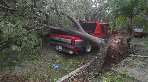 Huracán Irma ya deja tres víctimas mortales en Florida