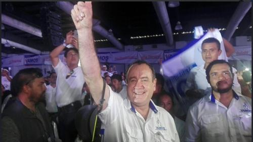 """Reaparece Alejandro Giammattei con el partido político """"Vamos"""""""