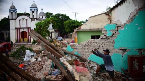 México: edificio se derrumba días después del terremoto y causa pánico