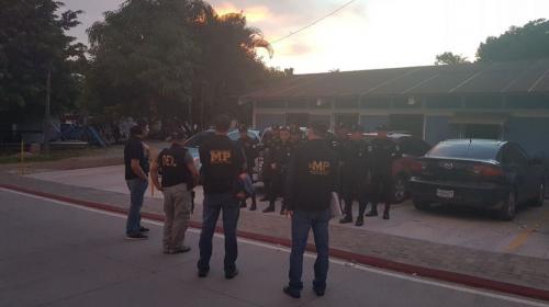 """Más de 300 allanamientos para capturar mareros en """"megaoperativo"""""""