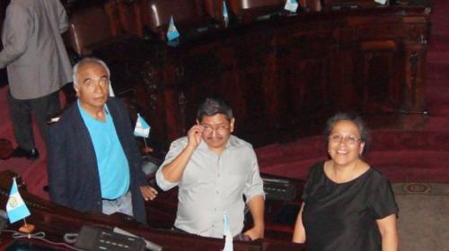 Diputados de Convergencia toman con calma el encierro en el Congreso