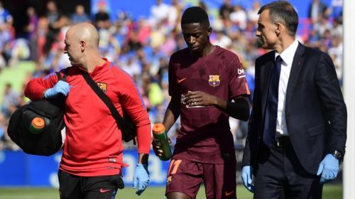 Alarma en el Barcelona, Dembélé se lesiona y se retira del campo