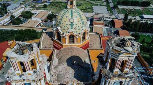 Graban el momento en que se derrumba una iglesia en México