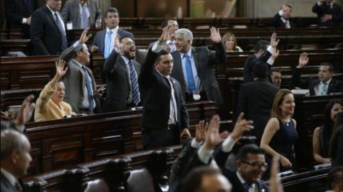 Organizaciones plantean solicitud de antejuicio contra 107 diputados